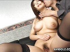 Petty boss se folla a una lesbianas maduras alemanas latina en el lugar de trabajo.