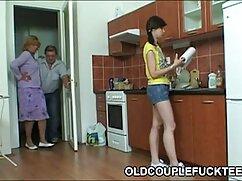 Russian despierta a su videos de veteranas lesbianas amiga con cunnilingus.