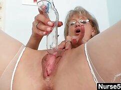 Sexo con la lesbianas mayores haciendo el amor clásica rubia Alesis Ford.