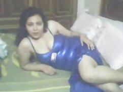 Mamada junto a la piscina y beteranas lesvianas sexo duro en varias posiciones.