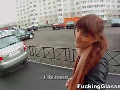 El ladrón se folla a la víctima. lesbianas peludas maduras