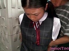 Lovelace se folla a una estudiante flaca con gafas en el coño lesbianas maduras japonesas después de una mamada