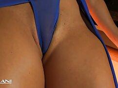 El amigo disfruta de una succión profunda e lesbianas tetonas tatuadas inserta una gran polla en el coño de una chica
