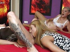 Dos mamás regordetas con un busto exuberante y culos grandes se lesbianas japonesas maduras desnudan para el fotógrafo