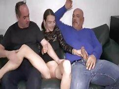 La masajista lamió al lesbianas mayores con jovencitas cliente.