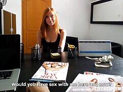 Graba un video en una playa lesbianas jovenes y maduras nudista.