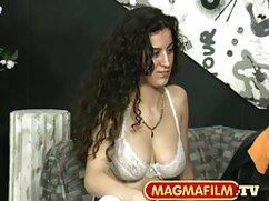 Krala se quita los leggings de cuero y enseña el culo videos de lesvinas maduras frente a la webcam