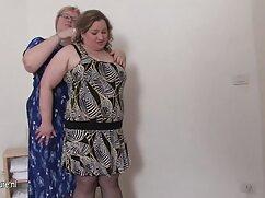Morena es follada en la lesbianas rubias maduras primera sesión.